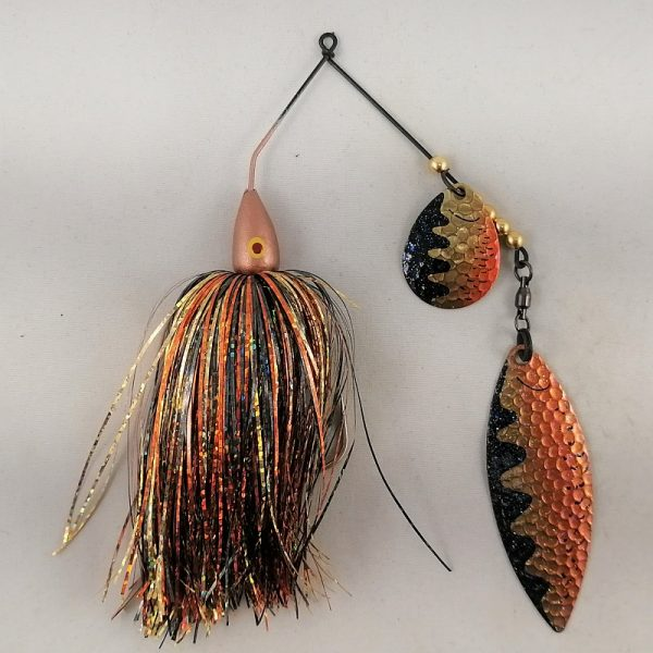 Fall craw spinnerbait with flash skirting